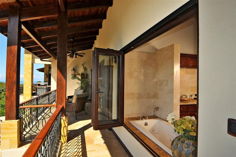 Time share in costa rica costa rica lifestyle blog for Luxury balcony design
